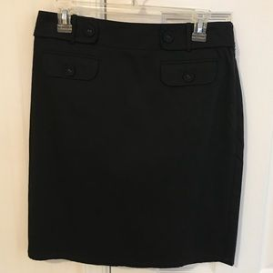 EUC Ann Taylor Black Pencil Skirt. Size 6